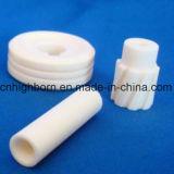 Изолятор керамических изделий глинозема высокой точности подгонянный