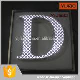 정면 Lit LED 금속 상자에 의하여 올려지는 편지 Signage