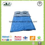 ポリエステルによって混合されるカラーは二重寝袋2人を囲む