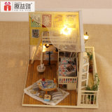 2018 Happy Family New Year Gift with Educational Wooden House