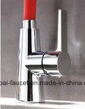Rubinetto livellato d'ottone universale di vendita caldo europeo Op35-1 di /Kitchen del miscelatore del bacino di Colorfull singolo