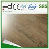 12 mm a mano raspada imitación de madera V-biselado Suelo laminado