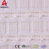 Câble de couleur unie tricoter jeter de l'acrylique couverture avec POM POM