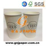 Tazza di carta doppia a gettare stampata abitudine 12oz con il coperchio