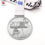 De antieke Zilveren Vrouwelijke 5K Looppas van de Pret om de Medaille van de Vorm