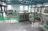 3-in-1 abgefülltes Mineralwasser, das Maschine herstellt
