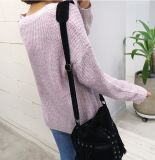 Le signore adattano il maglione puro casuale del Knit del pullover di colore