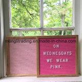 Table des messages de panneau de lettre de feutre avec le sac de coton et le stand collectifs en bois