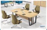 Büro-Konferenz-hölzerner Trainings-Schreibtisch mit dem Metallbein