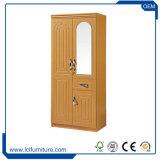 Un guardaroba registrabile utile dei 2 portelli con il prodotto di legno dei cassetti