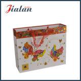Personnaliser avec le sac de estampage chaud de cadeau de papier de transporteur d'achats