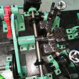 機械を囲う二重繊維の有刺鉄線