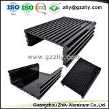 Aluminium extrudé personnalisés avec l'usinage CNC et le traitement de surface pour le dissipateur de chaleur