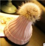 En ligne à la main Beanie Hat bonneterie Chapeau tricoté avec rotule