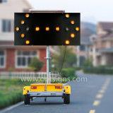 Optrafficの太陽トラフィックLEDの矢の印のボードトレーラーによって取付けられるLEDの矢の警報灯