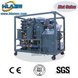 Aceite de motor negro usado que recicla la máquina