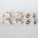 Twee Oorringen van de Nagel van het Bergkristal van de Dolfijn van Kleuren Geplaatst de Juwelen van de Manier