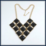 Nuovi monili eleganti della collana di modo dei branelli di vetro di disegno del punto