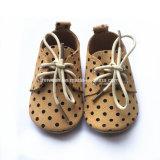 Ботинки младенца оптового мягкого единственного причудливый шаржа младенческие Newborn