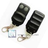 Télécommande RF clés en caoutchouc Duplicator avec deux boutons (QN-RD018X)