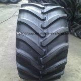 O trator de exploração agrícola eleva e fronteia os pneumáticos diagonais de R-1 em 9.50-24
