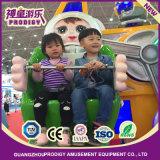 Macchina dell'interno di giro del Kiddie della strumentazione del parco di divertimenti sul robot