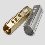 Moto d'usinage CNC la partie avec l'aluminium // le matériel en acier inoxydable en laiton