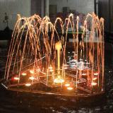 Fontaine d'acier inoxydable avec la lumière et la musique