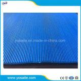 Le trou de drainage PVC bleu carte courte