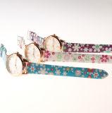 Reloj del cuero de la PU del reloj de la caja de la aleación para el reloj ocasional del OEM de la muñeca de las señoras