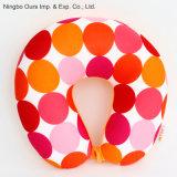 La moda de espuma de colores de impresión de partículas que viajan en forma de U almohada de la salud.