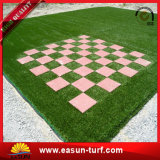 Césped artificial de la hierba del césped sintetizado usado para el jardín del patio de la escuela