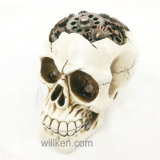 Decorazione domestica di Halloween con il cranio della resina