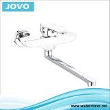Mezclador montado en la pared Jv70303 de la cocina del grifo de la nueva maneta sanitaria del diseño sola