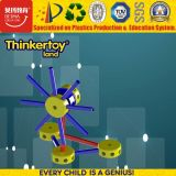 La formazione media di forma fisica di Thinkertoyland ostruisce il giocattolo
