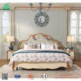 Het tweepersoonsbed van het Eiken Hout van het Meubilair van de Slaapkamer van het huis met het Hoofdeinde van de Staaf