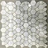 円形の困惑の石のモザイク床のタイル
