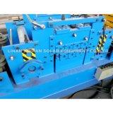Rolo que dá forma ao rolo solar do carrinho que dá forma à máquina