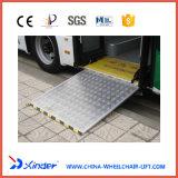 A rampa de cadeira de rodas de alumínio de certificação EMC rampa de carregamento para o barramento