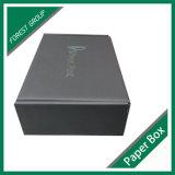 完全で黒いカラー段ボールボックス