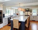 合理化された白い現代的な純木の食器棚