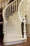 자연적인 오크 단단한 나무 계단