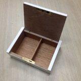 Petits cadre/caisse blancs neufs de cigarette