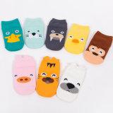Neueste Auslegung-kundenspezifische Zeichen-nette Baby-Kind-Karikatur-bunte Baumwolle scherzt Socken