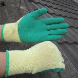 La paume a enduit le gant de travail de latex de préhenseur de gants de latex