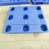 Páletes plásticas resistentes usadas para o armazenamento no armazém