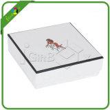 Картонная коробка нестандартной конструкции напечатанная с крышкой
