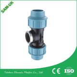 China t Fitting-Equal compressão PP de fábrica