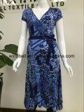Eleganz-Kleid der Frauen mit All-Over Drucken