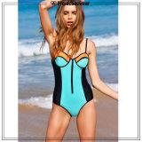 Heiße reizvolle Bikini-Strand-Badebekleidung